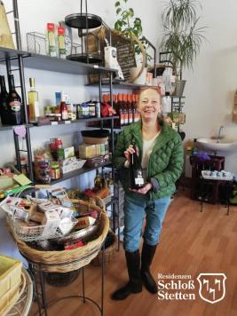Frau Bus Inhaberin Einkaufsladen Lädle, Kleiner Laden für den täglichen Bedarf, Einkaufsladen Residenz Schloss Stetten