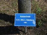 Kaierlinde K. H. Otto v. Habsburg, Besuch Baum pflanzen, Schilder Besucher Schloss Stetten